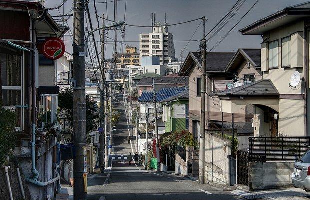 Autant chercher une adresse dans une rue de Tokyo !