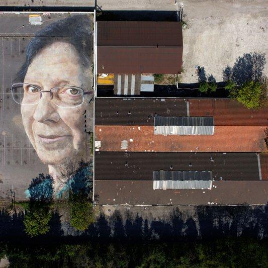 Fresque-au-sol-de-Madame-Picquart-de-1900m²-sur-un-parking-à-Aubervilliers