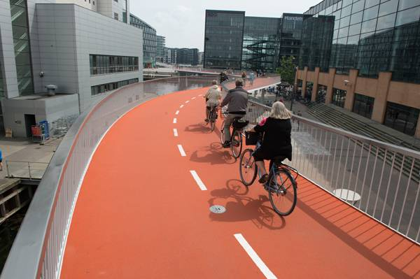 Une piste cyclable à Copenhague
