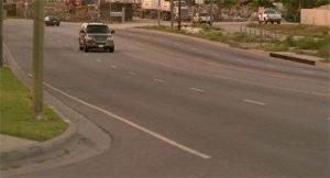 Photo rare d'un véhicule sur Canoga Avenue sans dérapage contrôlé - Crédits 24wikia.com