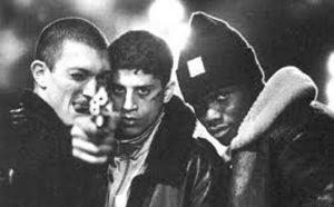 Les trois personnages principaux du film La Haine à propos de la banlieue