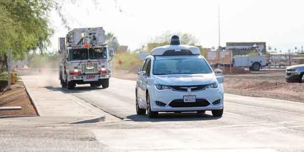 le vehicule autonome de Google est testé dans une fausse ville