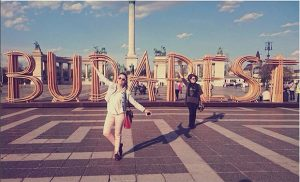 ville de budapest et son panneau