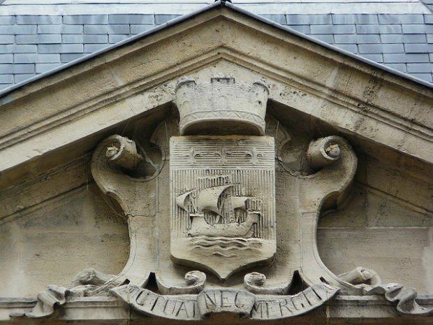 L'art de naviguer sur les murs de Paris