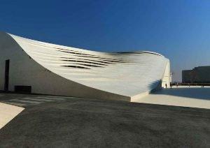 L'architecture de la nouvelle mosquée de Téhéran surprend.